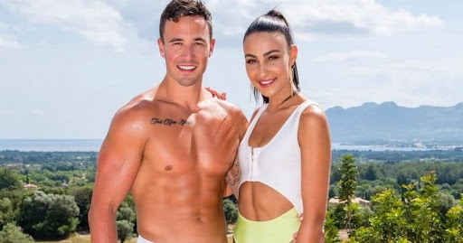 Tayla and Grant series 1