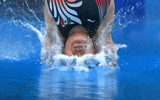 olympian dive into water 10 Funniest Moments from the 2020 Tokyo Olympics