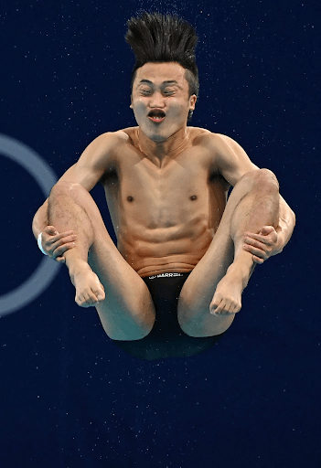 olympian-dive-into-water2